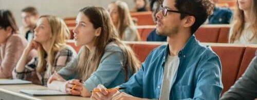 classe-di-studenti-universitari